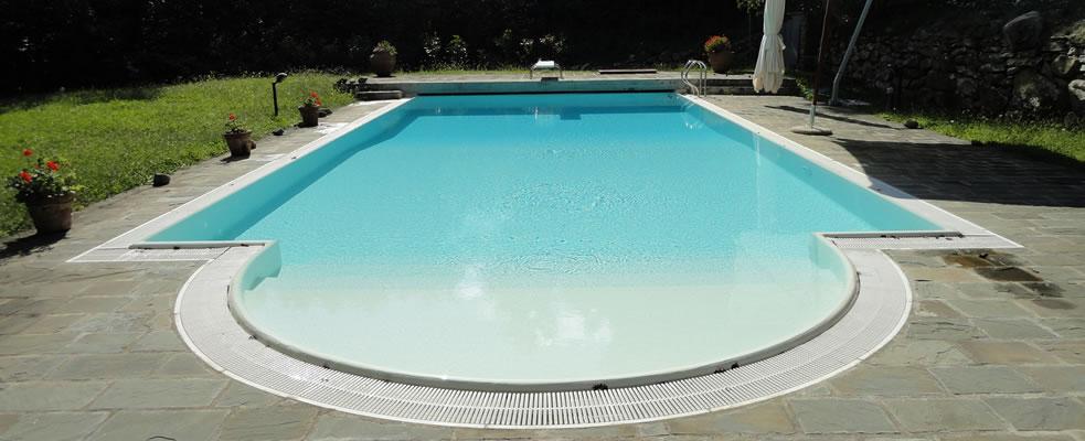 Manutenzione acqua piscina filtrazione e elettrolisi del sale - Trattamento acqua piscina ...
