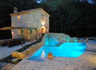 Casa di campagna pannelli per cemento armato usati for Piccole piscine da giardino interrate